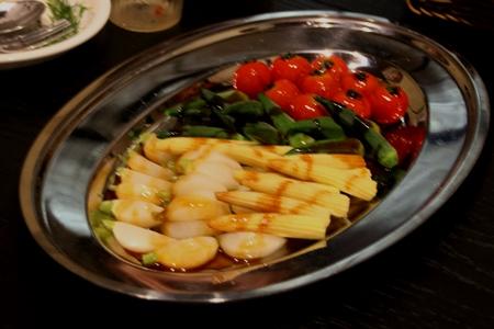 肉の付け合わせ温野菜