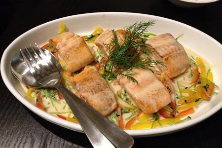 秋の魚料理=サーモン