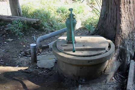 御室社境内の井戸