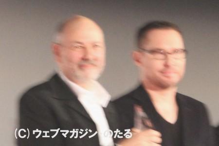 東京グランプリに選ばれた「ニーズ」のホベルト・ベルリーズ監督(左)とコンペティション部門超審査委員長・ブライアン・シンガー監督